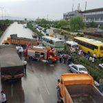۲ مصدوم و یک کشته در اثر برخورد زنجیرهای خودروها در مشهد