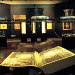 کشاورز کاتب قرآن، قرآن خود را به آستان قدس رضوی اهدا کرد