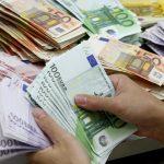 بازگشت آرامش به بازارها؛ کاهش ۷۰ تومانی دلار و روند نزولی سکه
