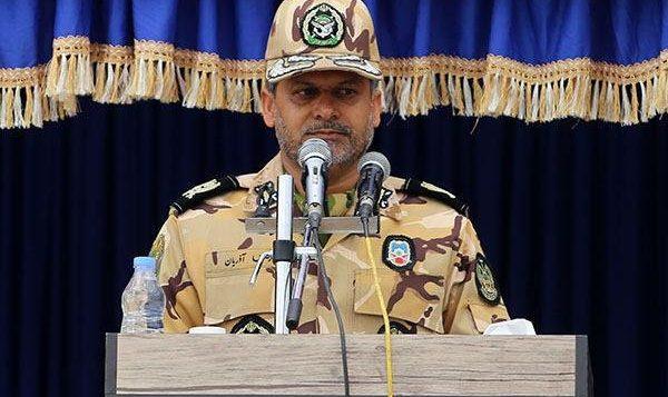 فرمانده قرارگاه منطقهای شمال شرق نزاجا در جمع خبرنگاران؛ شعار امسال هفته دفاع مقدس «ما توانستیم» است/ بلوار نماز باز نبوده که ارتش آن را مسدود کند!