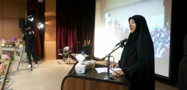 معاون دادستان مرکز استان در جمع اعضای انجمن صنفی آرایشگاه های بانوان مشهد مطرح کرد: افزایش اطلاع از قوانین کسب، اثرگذار در کنترل جرایم خواهد بود