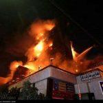 شعله های سرکش آتش با تلاش نفسگیر بیش از ۲۰۰ آتش نشان مهار و اطفاء شد