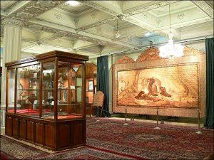 اهدا کردن تیربند به موزه آستان قدس رضوی