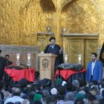 پرچم عزای حسینی بر فراز گنبد رضوی برافراشته شد