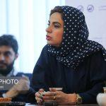 مهسا غفوریان کارگردان تئاتر قسمتی از بنفش سرخ است، مطرح کرد: فضای نمایش کاملا رئالیستی و به روابط بین انسانها می پردازد