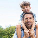 """چگونه فرزندان مان را به پرواز درآوریم؟ ۲۲ پیشنهاد آسان برای ایجاد """"حس ارزشمندی"""" در فرزند شما"""